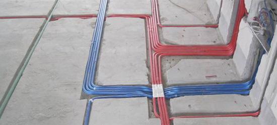 地暖管可以交叉铺设吗?可以和其他电路水路交叉吗?